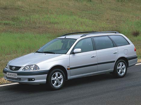 Фото Toyota Avensis Station Wagon (T22)